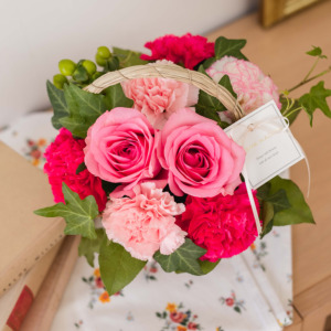 母の日に届けたいお花のアレンジメント「ミミ・フルール」(日比谷花壇)